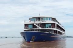 #300インドシナⅡ船体